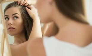 Trápí vás v létě zvýšené vypadávání vlasů? Zatočte s ním!